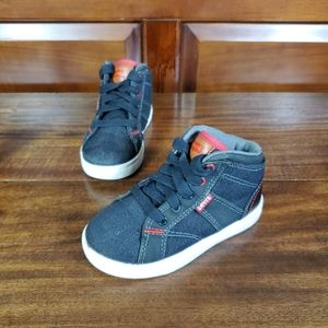 Levis Kid sneakers shoes sz 10 Black red white
